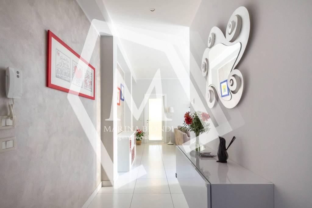 Appartamento in Vendita a Arezzo Centro: 4 locali, 92 mq