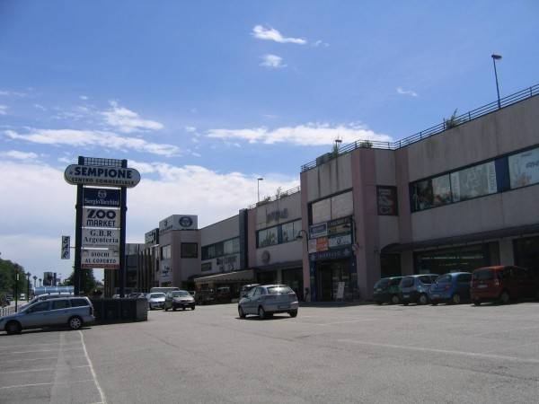 Negozio / Locale in affitto a Castelletto Sopra Ticino, 1 locali, prezzo € 5.000 | PortaleAgenzieImmobiliari.it