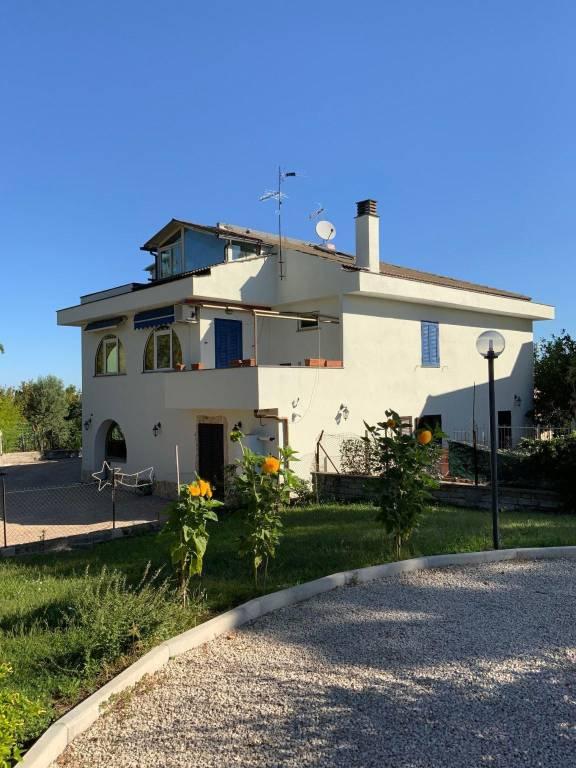 Appartamento in vendita a Marino, 5 locali, prezzo € 175.000 | PortaleAgenzieImmobiliari.it