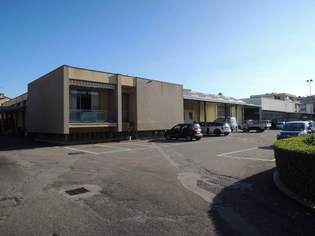 Negozio / Locale in vendita a Mariano Comense, 4 locali, prezzo € 910.000 | PortaleAgenzieImmobiliari.it