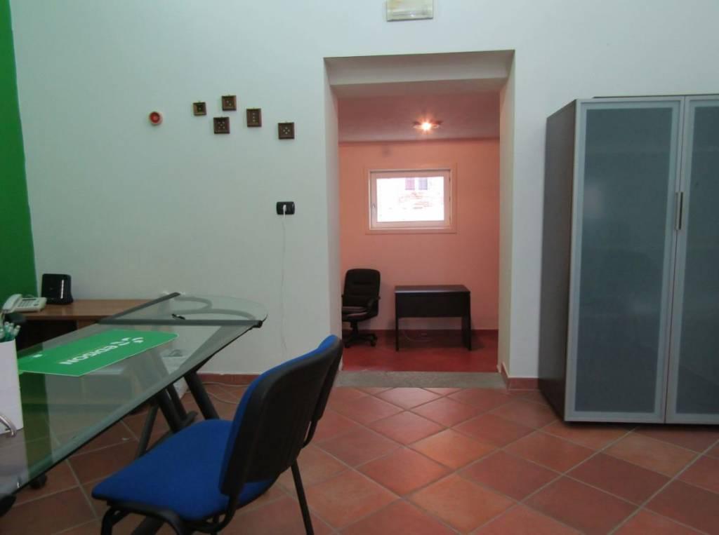 Negozio / Locale in affitto a Fossano, 1 locali, prezzo € 315 | CambioCasa.it
