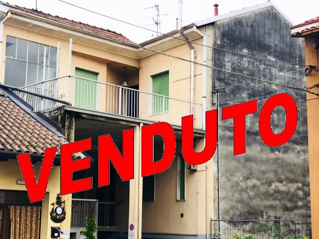 Appartamento da ristrutturare in vendita Rif. 8703218