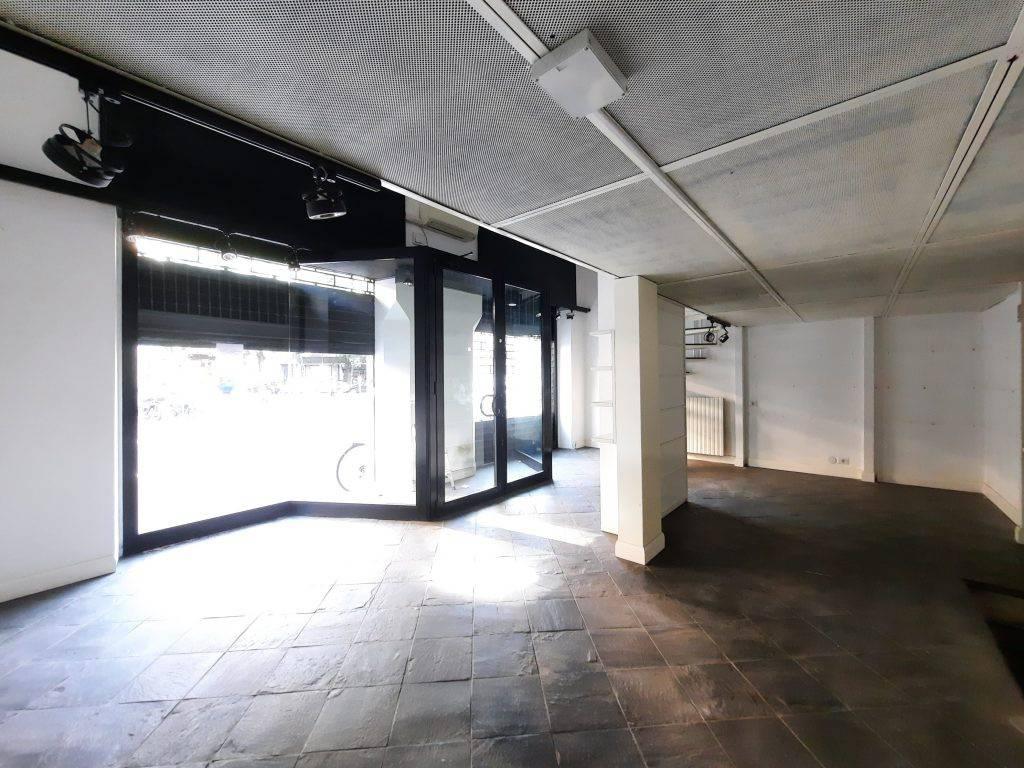 Negozio-locale in Affitto a Milano 03 Venezia / Piave / Buenos Aires: 1 locali, 79 mq