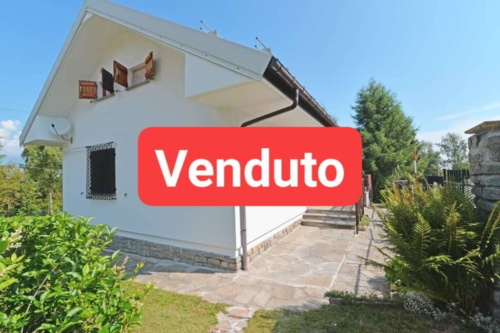 Foto 1 di Villa via Acqua Saporita, Bagnolo Piemonte