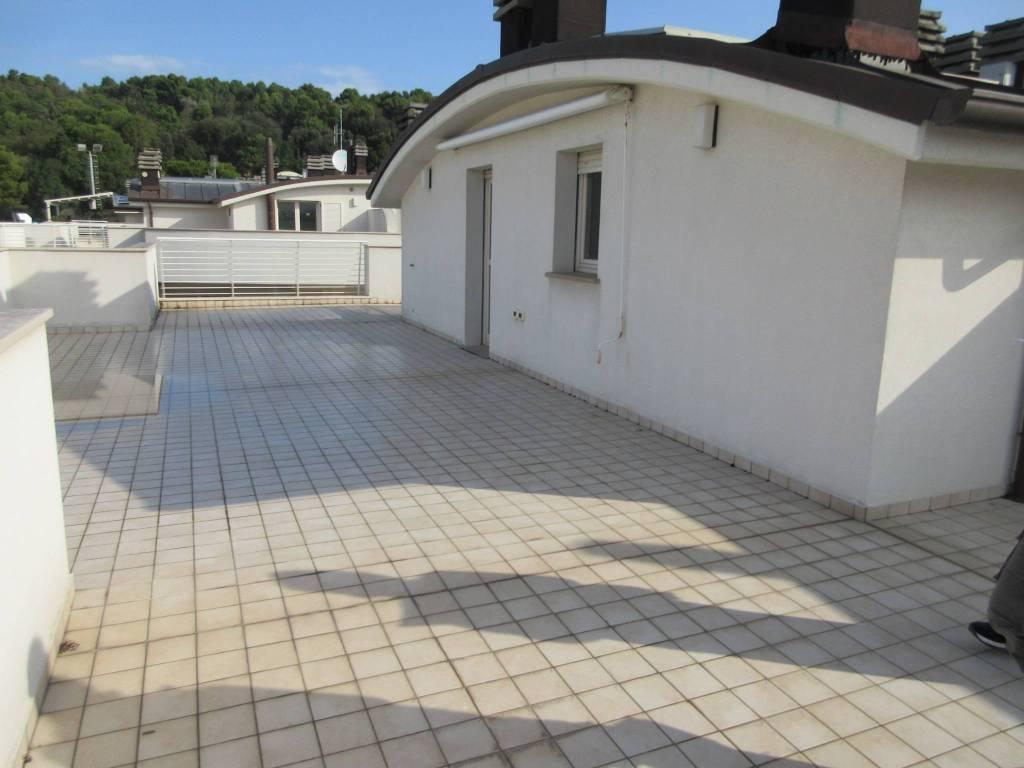 Attico / Mansarda in vendita a Pesaro, 5 locali, prezzo € 350.000 | PortaleAgenzieImmobiliari.it