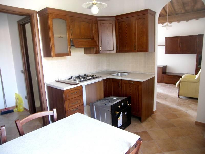 Appartamento in ottime condizioni arredato in affitto Rif. 9240359