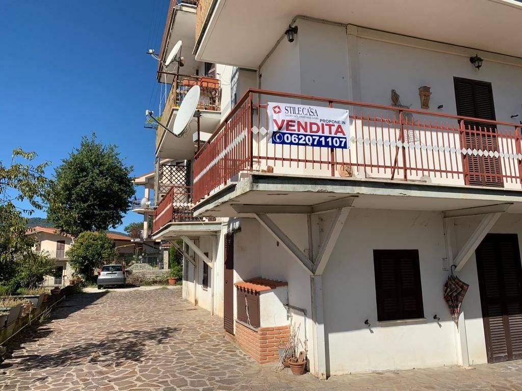 Appartamento in vendita a Cerreto Laziale, 5 locali, prezzo € 135.000 | CambioCasa.it