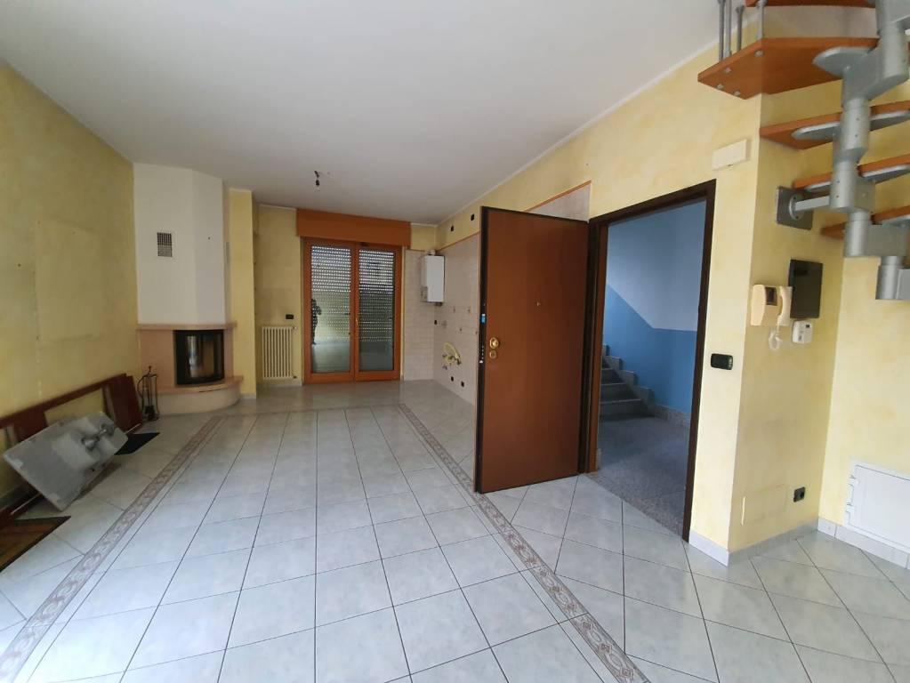 Appartamento in vendita a Pianezza, 4 locali, prezzo € 250.000 | CambioCasa.it