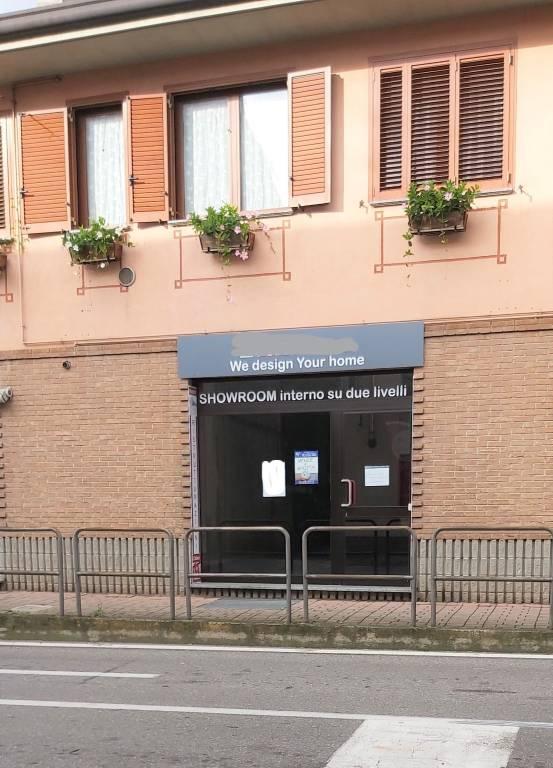 Negozio / Locale in vendita a Solaro, 1 locali, prezzo € 220.000   PortaleAgenzieImmobiliari.it