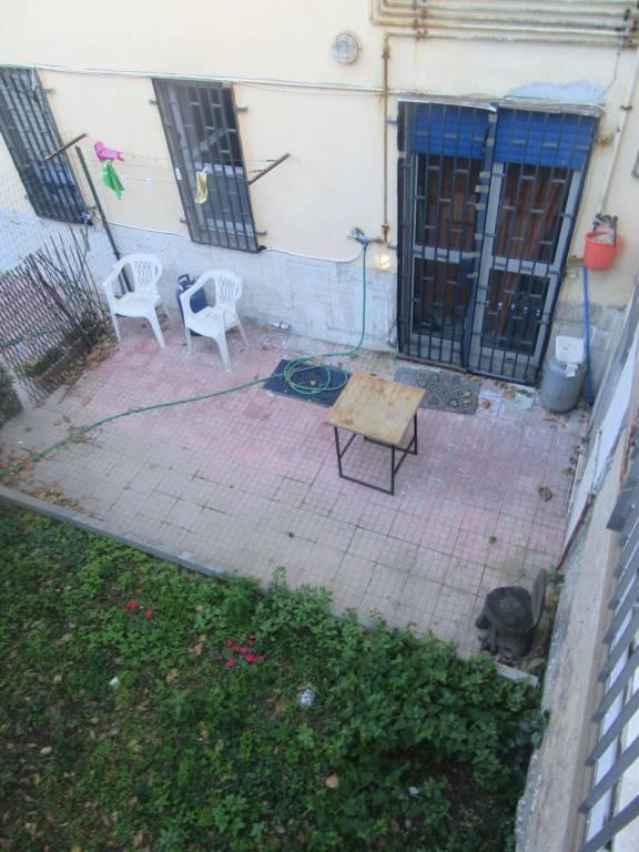 Appartamento in affitto a Pozzuoli, 1 locali, prezzo € 400 | CambioCasa.it