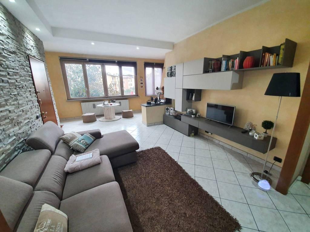 Appartamento in vendita a Garbagnate Milanese, 3 locali, prezzo € 158.000 | CambioCasa.it