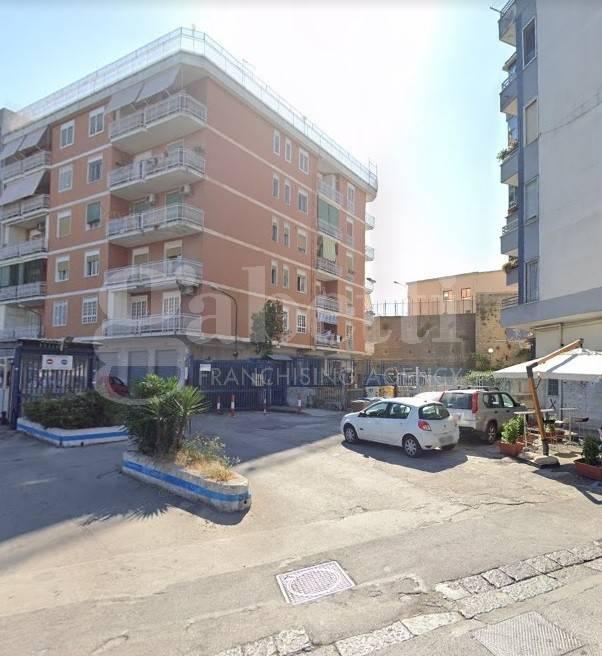Box / Garage in vendita a Napoli, 9999 locali, prezzo € 33.000 | CambioCasa.it