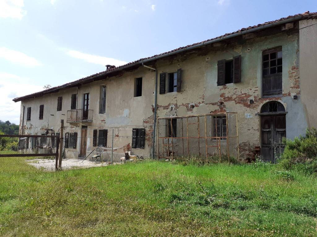 Rustico / Casale in vendita a Cortazzone, 7 locali, prezzo € 55.000   CambioCasa.it