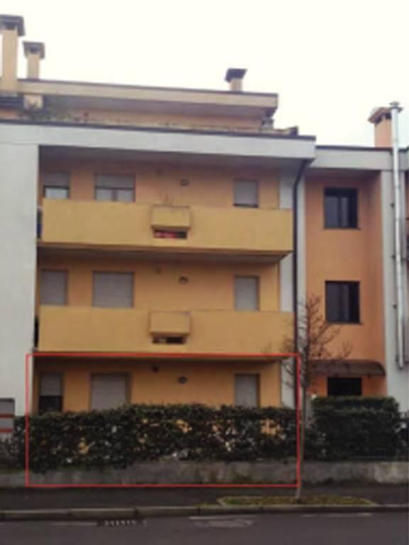Appartamento in vendita a Calcinate, 3 locali, prezzo € 55.000 | CambioCasa.it