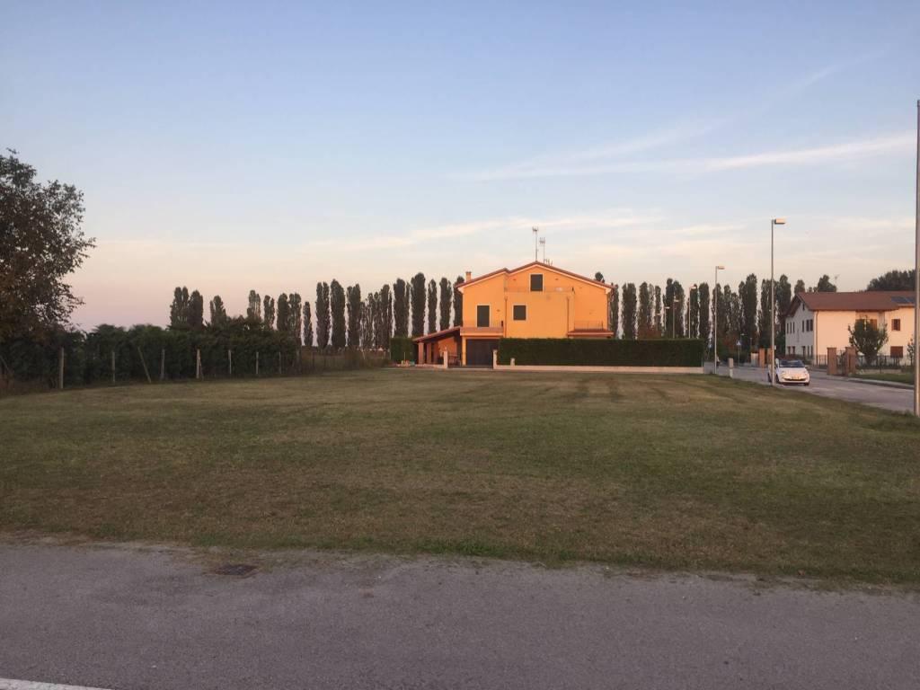 Terreno Edificabile Residenziale in vendita a Correzzola, 9999 locali, prezzo € 120.000 | CambioCasa.it