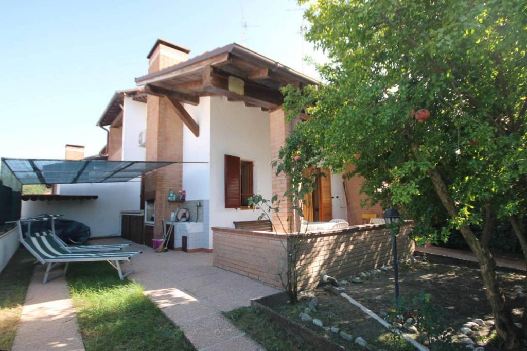 Villetta in Vendita a Comacchio Centro: 3 locali, 65 mq