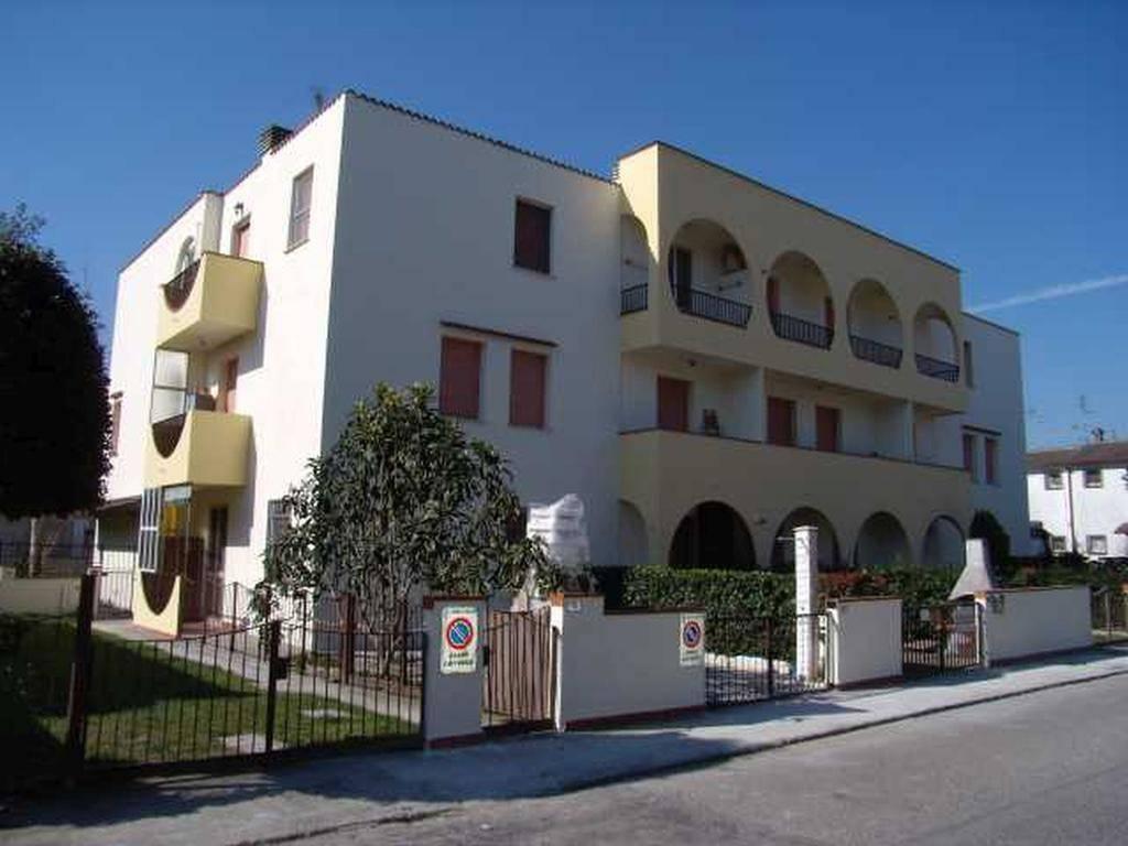Appartamento in buone condizioni arredato in vendita Rif. 8532441