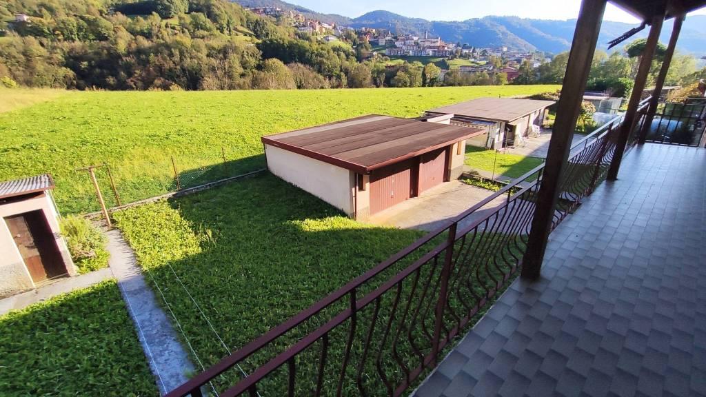 Villa in vendita a Gandino, 8 locali, prezzo € 259.000 | PortaleAgenzieImmobiliari.it
