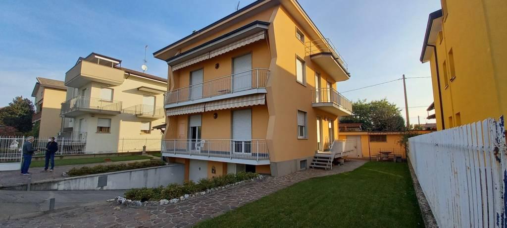 Appartamento in vendita a Calusco d'Adda, 3 locali, prezzo € 168.000   PortaleAgenzieImmobiliari.it