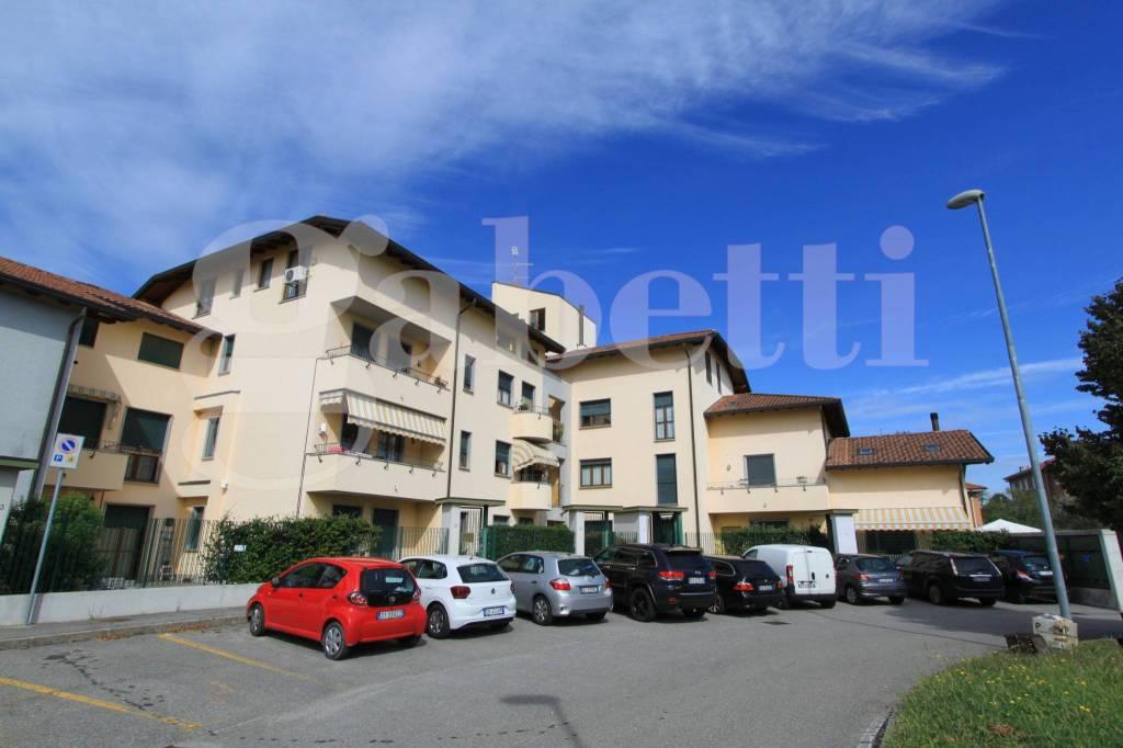 Appartamento in vendita a Lonate Pozzolo, 3 locali, prezzo € 170.000 | CambioCasa.it