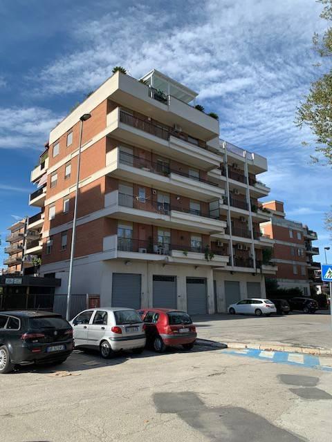 Appartamento in Vendita a Foggia Centro: 4 locali, 170 mq
