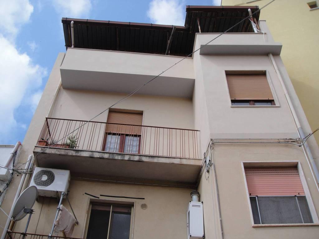 Appartamento in vendita a Reggio Calabria, 4 locali, prezzo € 55.000 | PortaleAgenzieImmobiliari.it