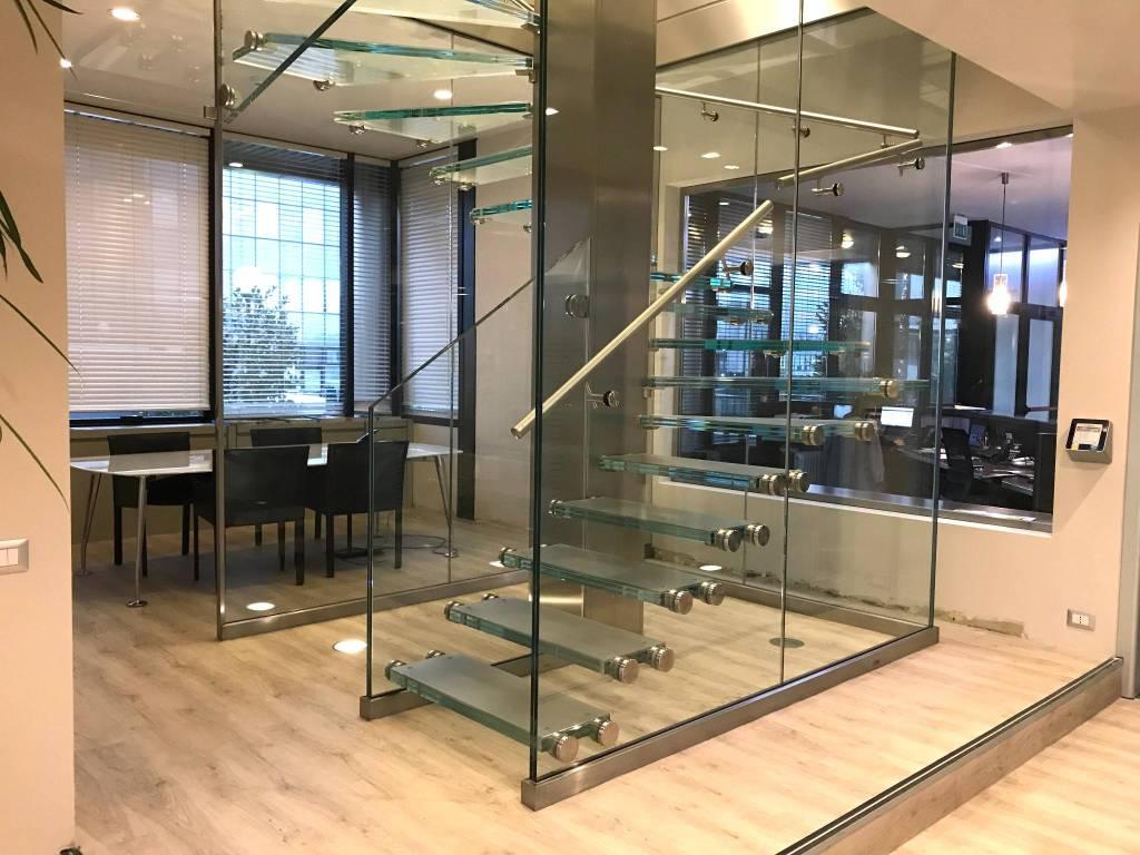 Ufficio-studio in Affitto a Cernusco Sul Naviglio: 5 locali, 400 mq