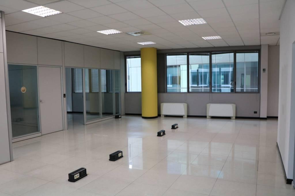 Ufficio / Studio in affitto a Torino, 5 locali, prezzo € 2.100 | PortaleAgenzieImmobiliari.it