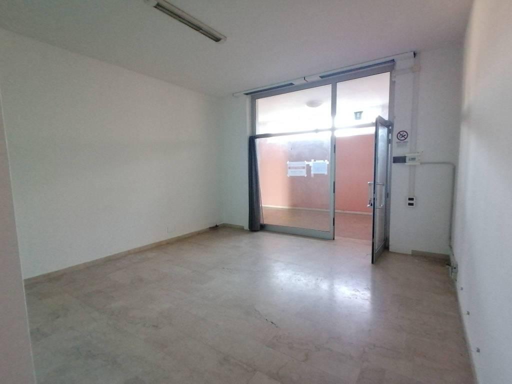 Negozio / Locale in affitto a Pravisdomini, 2 locali, prezzo € 300 | CambioCasa.it