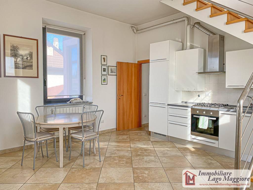 Attico / Mansarda in affitto a Taino, 4 locali, prezzo € 700 | PortaleAgenzieImmobiliari.it