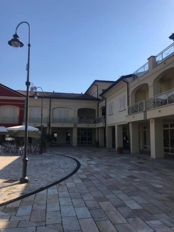 Appartamento in vendita a Montignoso, 2 locali, prezzo € 199.000 | PortaleAgenzieImmobiliari.it