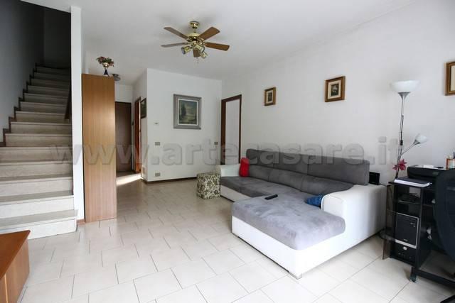 Villa a Schiera in vendita a Turbigo, 4 locali, prezzo € 185.000 | PortaleAgenzieImmobiliari.it