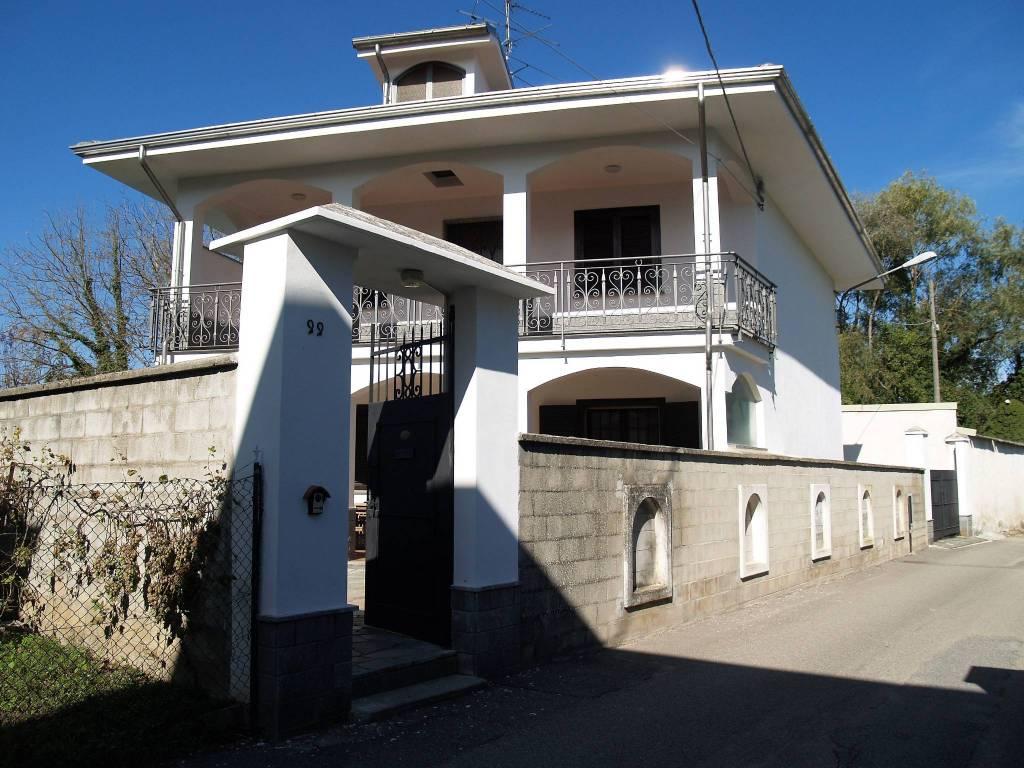 Villa in ottime condizioni in vendita Rif. 8886408
