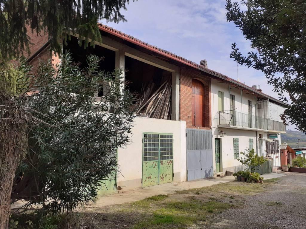 Rustico / Casale in vendita a Moncucco Torinese, 5 locali, prezzo € 95.000 | CambioCasa.it
