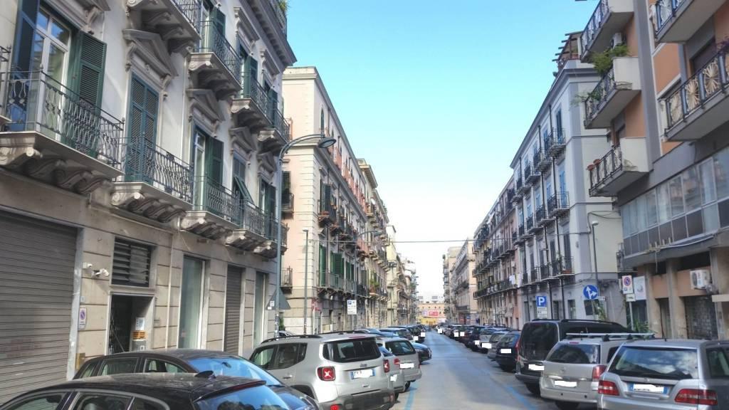 Appartamento in Affitto a Palermo Centro:  5 locali, 140 mq  - Foto 1