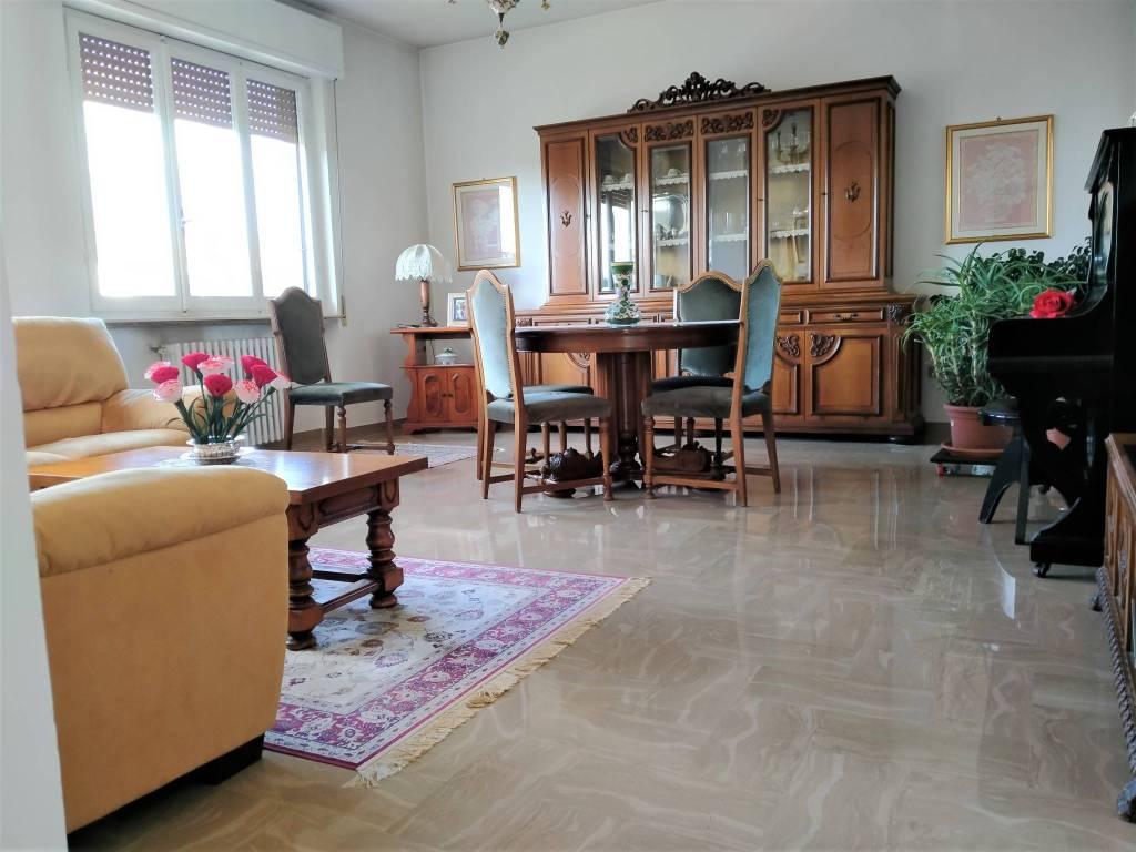 Appartamento in vendita a Foligno, 5 locali, prezzo € 127.000 | PortaleAgenzieImmobiliari.it