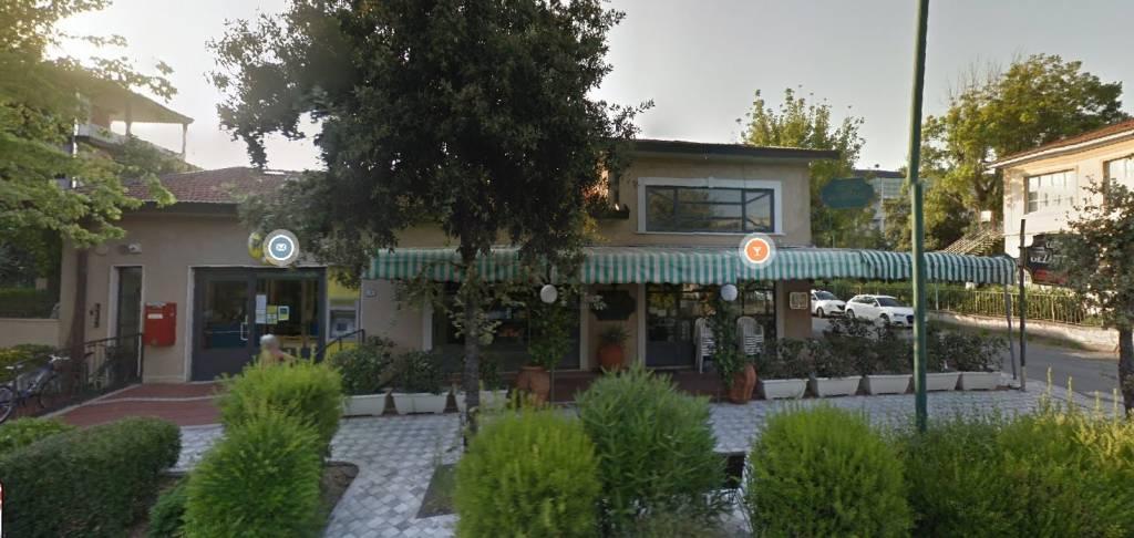 Ristorante / Pizzeria / Trattoria in vendita a Forte dei Marmi, 4 locali, prezzo € 990.000   CambioCasa.it