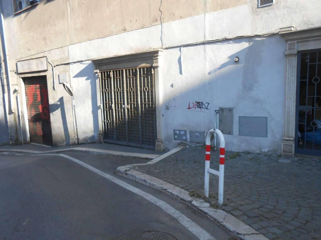 Magazzino in affitto a Marino, 9999 locali, prezzo € 700 | CambioCasa.it