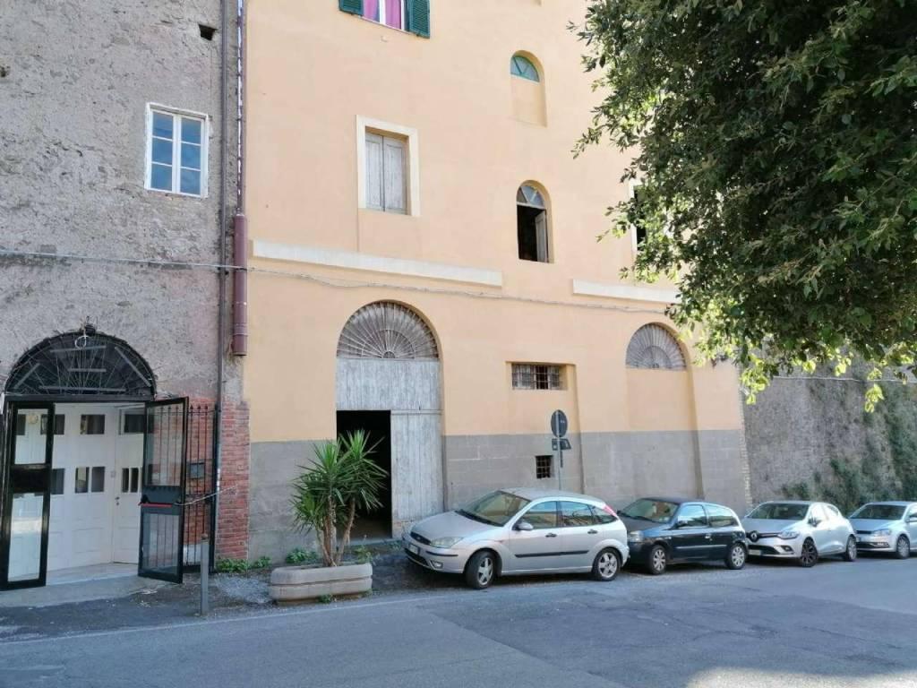 Magazzino in affitto a Marino, 9999 locali, prezzo € 600 | CambioCasa.it