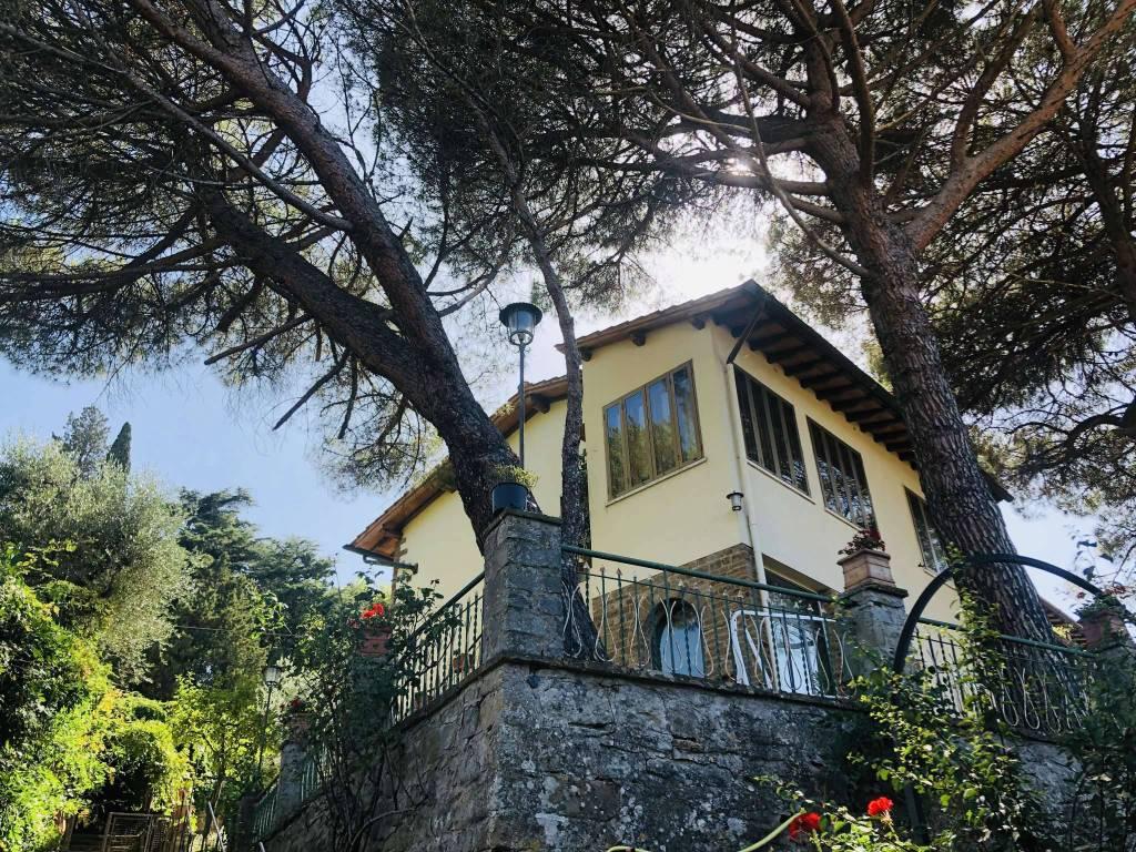 Appartamento in Vendita a Fiesole Centro: 5 locali, 170 mq