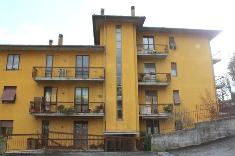 Appartamento in vendita a Chiusi, 4 locali, prezzo € 115.000   PortaleAgenzieImmobiliari.it
