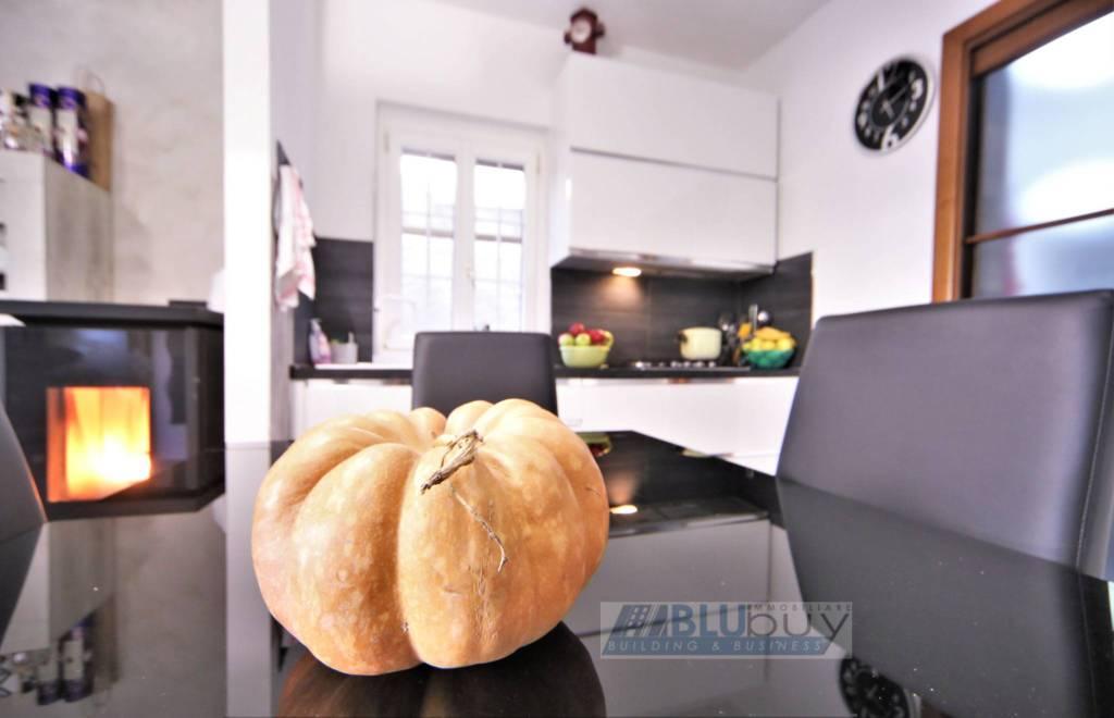 Appartamento in vendita a San Fermo della Battaglia, 3 locali, prezzo € 160.000 | PortaleAgenzieImmobiliari.it
