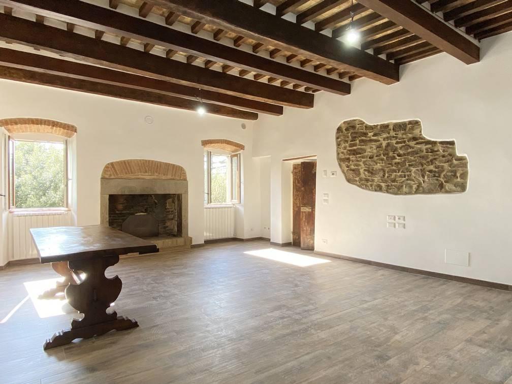 Appartamento in Vendita a Cortona Centro:  4 locali, 90 mq  - Foto 1