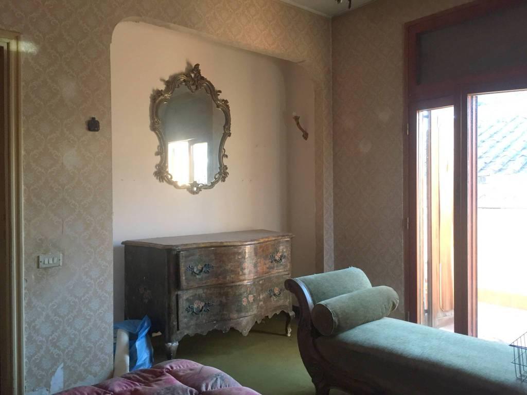 Appartamento in vendita a Terni, 8 locali, prezzo € 230.000 | PortaleAgenzieImmobiliari.it