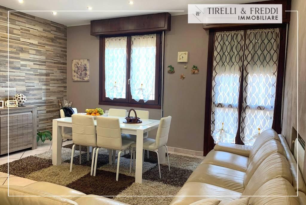 Appartamento in vendita a Cazzago San Martino, 3 locali, prezzo € 199.000 | CambioCasa.it