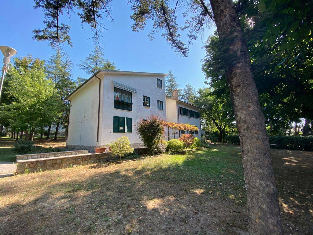 Appartamento in Affitto a Panicale Periferia: 5 locali, 140 mq