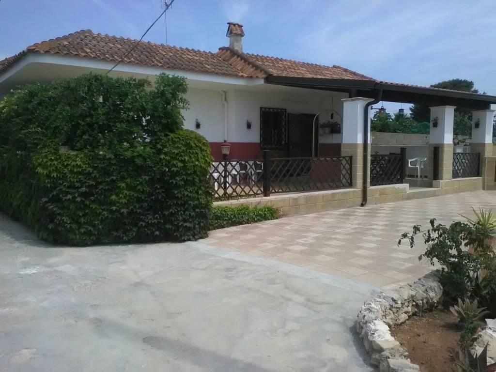 Villa in vendita a Ugento, 4 locali, prezzo € 138.000 | CambioCasa.it