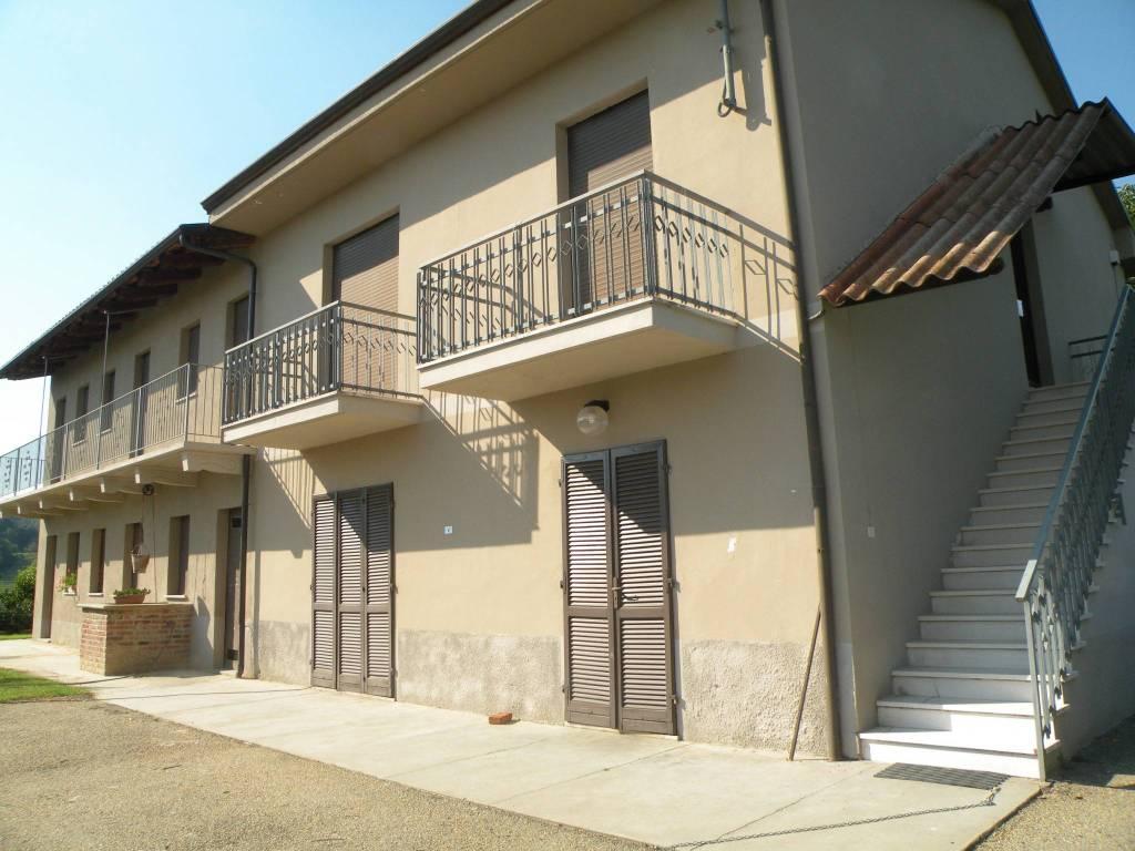 Rustico / Casale in vendita a Santo Stefano Roero, 11 locali, prezzo € 230.000 | PortaleAgenzieImmobiliari.it