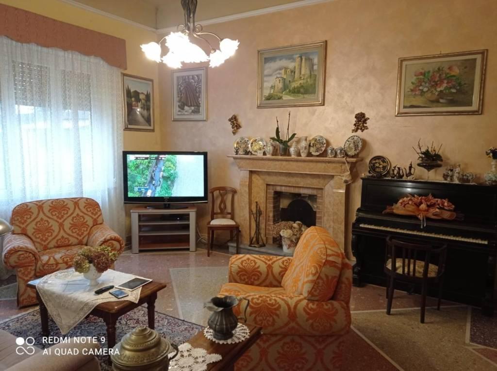 Appartamento in Affitto a Pisa Periferia Sud: 5 locali, 150 mq