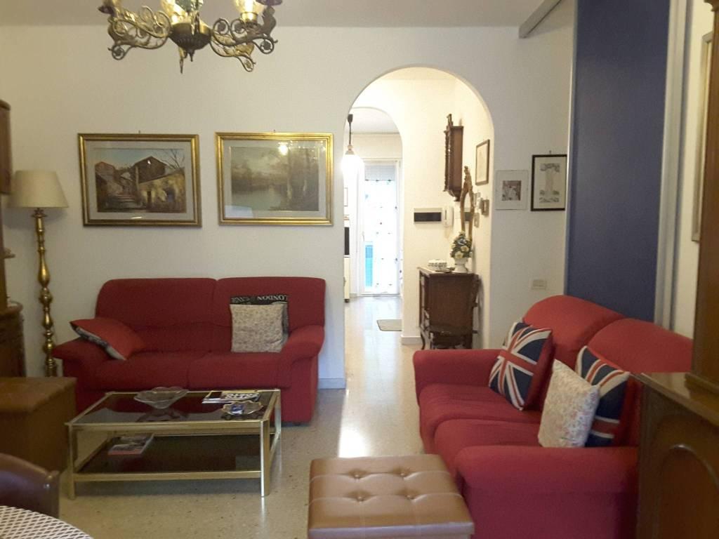 Appartamento in Vendita a Ravenna Semicentro: 5 locali, 85 mq